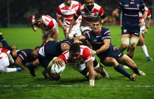 Amanaki Mafi scores a try for Japan