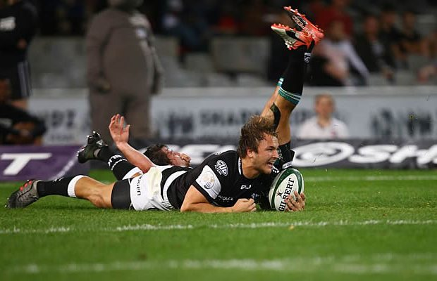 Andre Esterhuizen scored a try for the Sharks