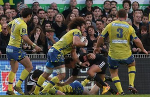 Camille Gerondeau on the attack for Clermont