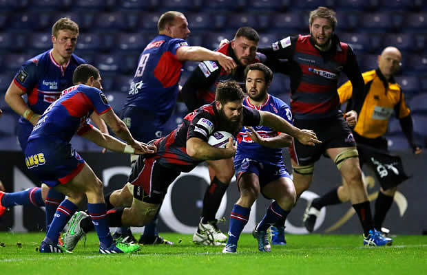Cornell du Preez scores one if his two tries for Edinburgh