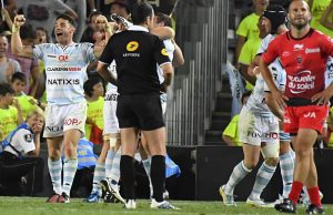 Dan Carter celebrates for Racing 92