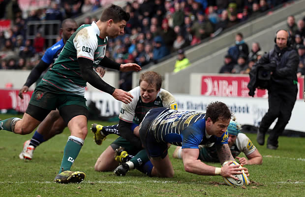 Danny Cipriani scores a try for Sale Sharks
