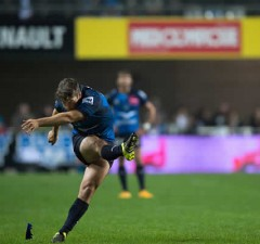 Demetri Catrakilis kicks a penalty for Montpellier