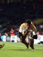 Wasps cruise to bonus point London Irish victory