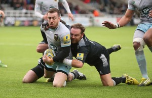 Andy Goode tackles JJ Hanrahan