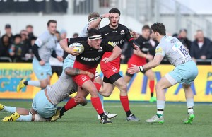 Jamie George on the run for Saracens