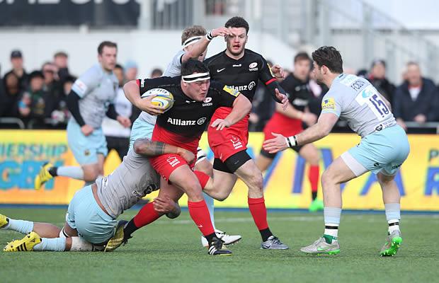 Jamie George on the run for Saracens