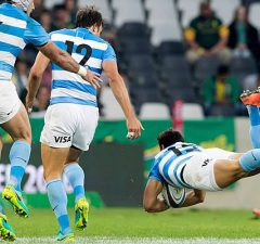Joaqin Tuculet scores a try in Nelspruit