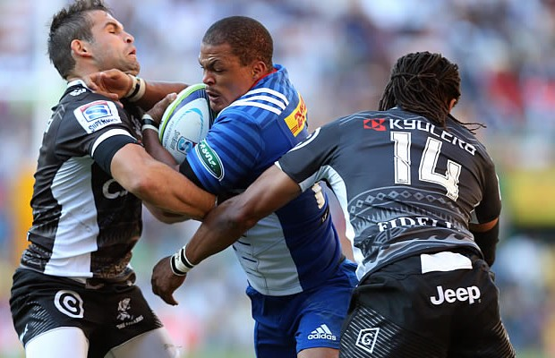 Juan de Jongh defends the ball for the Stormers