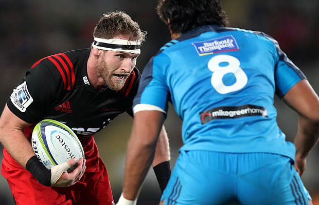Kieran Read looks to get past Steven Luatua