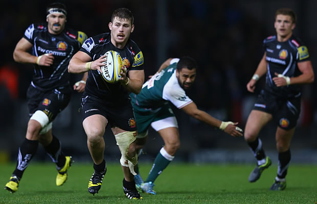 Luke Cowan-Dickie of Exeter Chiefs bursts clear of Telusa Veainu of Leiceste