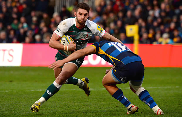 Ryan Mills of Worcester Warriors tackles Owen Williams of Leicester