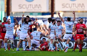Racing Metro 92 celebrate victory over Toulon