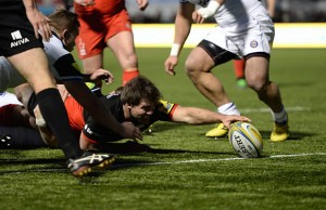 Schalk Brits reaches out to score a crucial try for Saracens