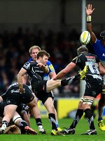 Saracens extend lead with Exeter victory