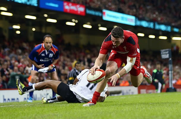 Alex Cuthbert has been named in the Wales starting line up