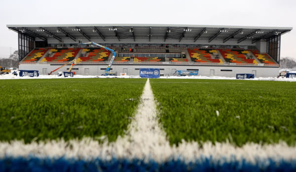 Saracens host Newcastle Falcons at Allianz Park