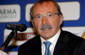 Italy head coach Jacques Brunel