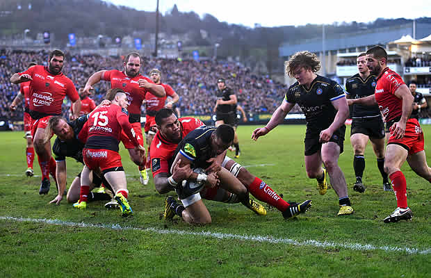 Anthony Watson score a try for Bath