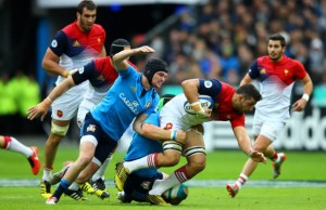 Damien Chouly gets caught by the Italian defence