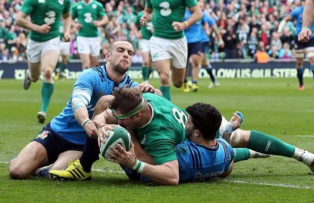 Jamie Heaslip scored a brace of tries