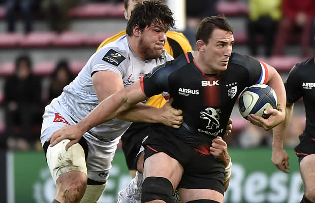 Louis Picamoles defends the ball for Toulouse
