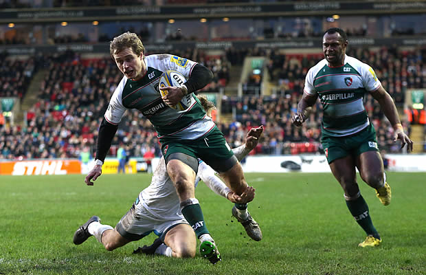 Matt Tait on the attack for Leicester Tigers
