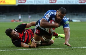 Nizaam Carr goes in to score Western Province
