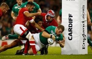 Sean Cronin scores Ireland's fifth try