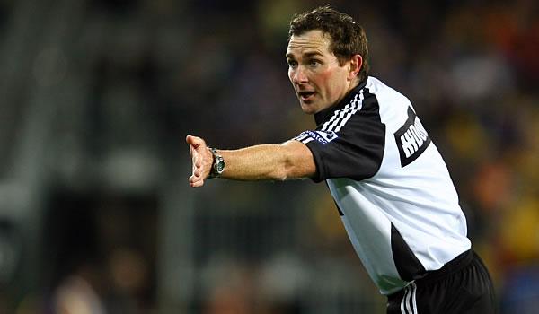 New Zealand referee Glen Jackson