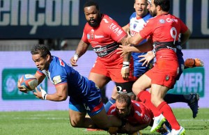 Jackson Willison scores a try for Grenoble